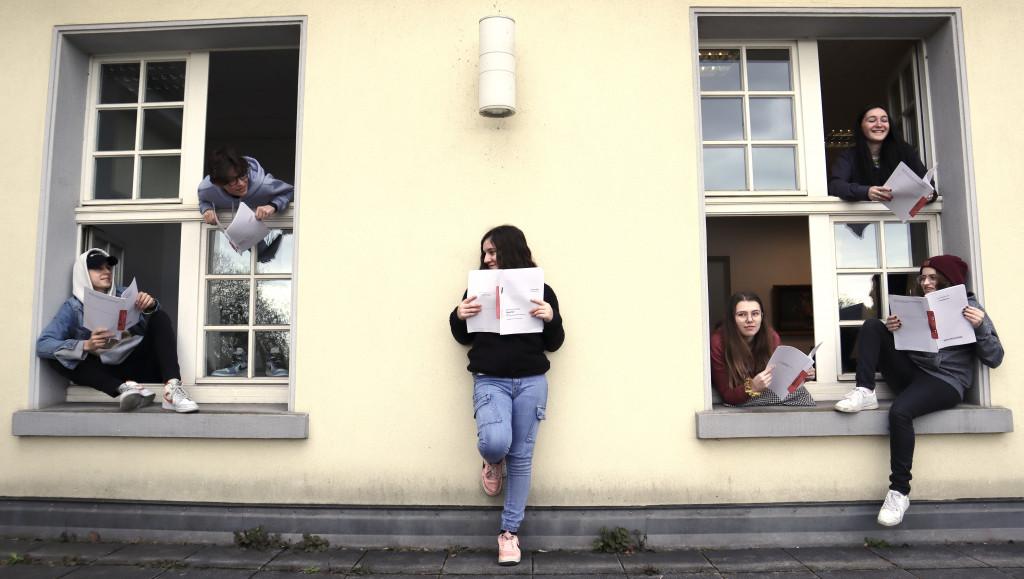 """Die Jugendjury der """"Stücke 2021"""" / Foto: Sarah Kranenpoot"""