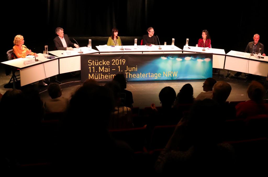 1. Juni - Jurydebatte / Foto: Marie-Luise Eberhardt