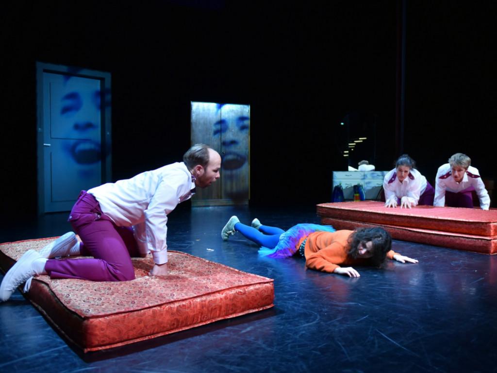 Szenenfoto aus der Inszenierung Mein ziemlich bester Freund Walter Consol Theater