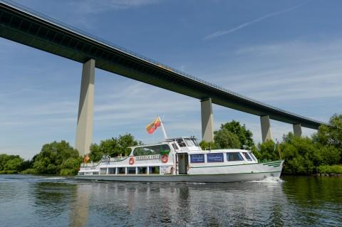 Das Fahrgastschiff Friedrich Freye startet vom Wasserbahnhof zu regelmäßigen Linienfahrten und reizvollen Sonderfahrten die gesamte Saison hindurch.