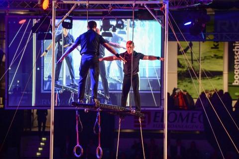 Artisten Duo der Pariser Polizei bei der medl - Nacht der Sieger 2015
