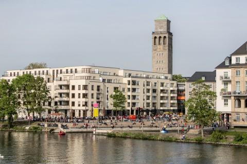 Der Blaulichttag der Mülheimer Hilfsorganisationen am Stadthafen zog viele Besucherinnen und Besucher an.