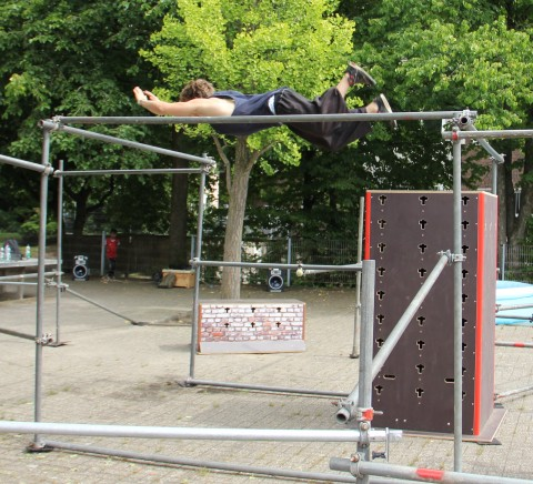 Tricking am Gerüst