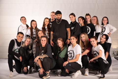 TNV Adults der Tanzschule National Vibes am 23.11.2019 bei Let's Dance