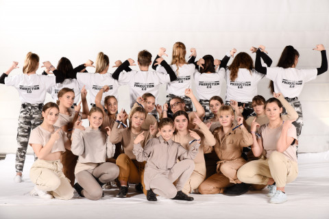 Production 2.0 und Dance Attack vom Tanzstudio Annattack am 23.11.2019 bei Let's Dance