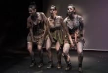Szene aus Demasiados Cortas Las Piernas (Von den Beinen zu kurz) von Katja Brunner