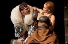 Inszenierungsfoto Ein Kanguruh wie Du 3.Theater Ingolstadt