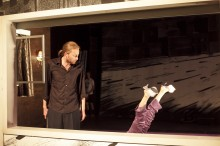 Szene aus Vater Mutter Geisterbahn von Martin Heckmanns