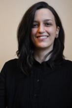 """Alina Buchwald ist Teil der szenischen Forscher:innen bei den """"Stücken 2021"""" / Foto: Lisa Jarzynski"""