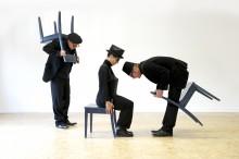 Inszenierungsfoto Dreier steht Kopf von Carsten Brandau.5