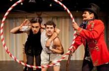 Inszenierungsfoto Ein Kanguruh wie Du 4.Theater Ingolstadt