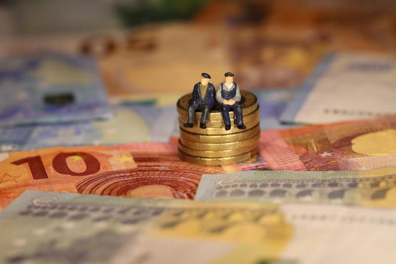 Niemand muss ohne Bargeld sein: Unterstützung für Ältere und Hilfebedürftige