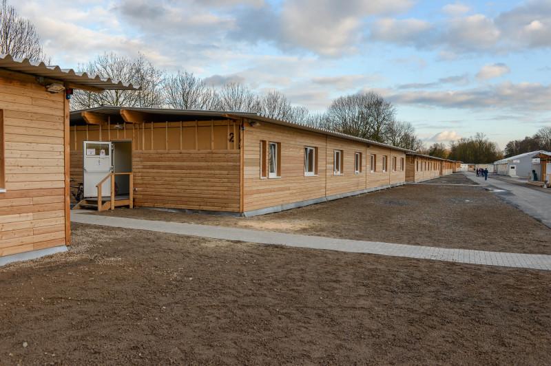 Die ehemaligen Flüchtlingsunterkünfte an der Mintarder Straße (acht Häuser) werden ab sofort als Behelfskrankenhaus ausgestattet.
