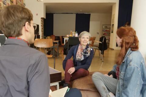 Im Gespräch: Daniel Weber, Dr. Katharina Wild, Clara Werdin (v.l.). / Foto: Elisabeth Schmitt